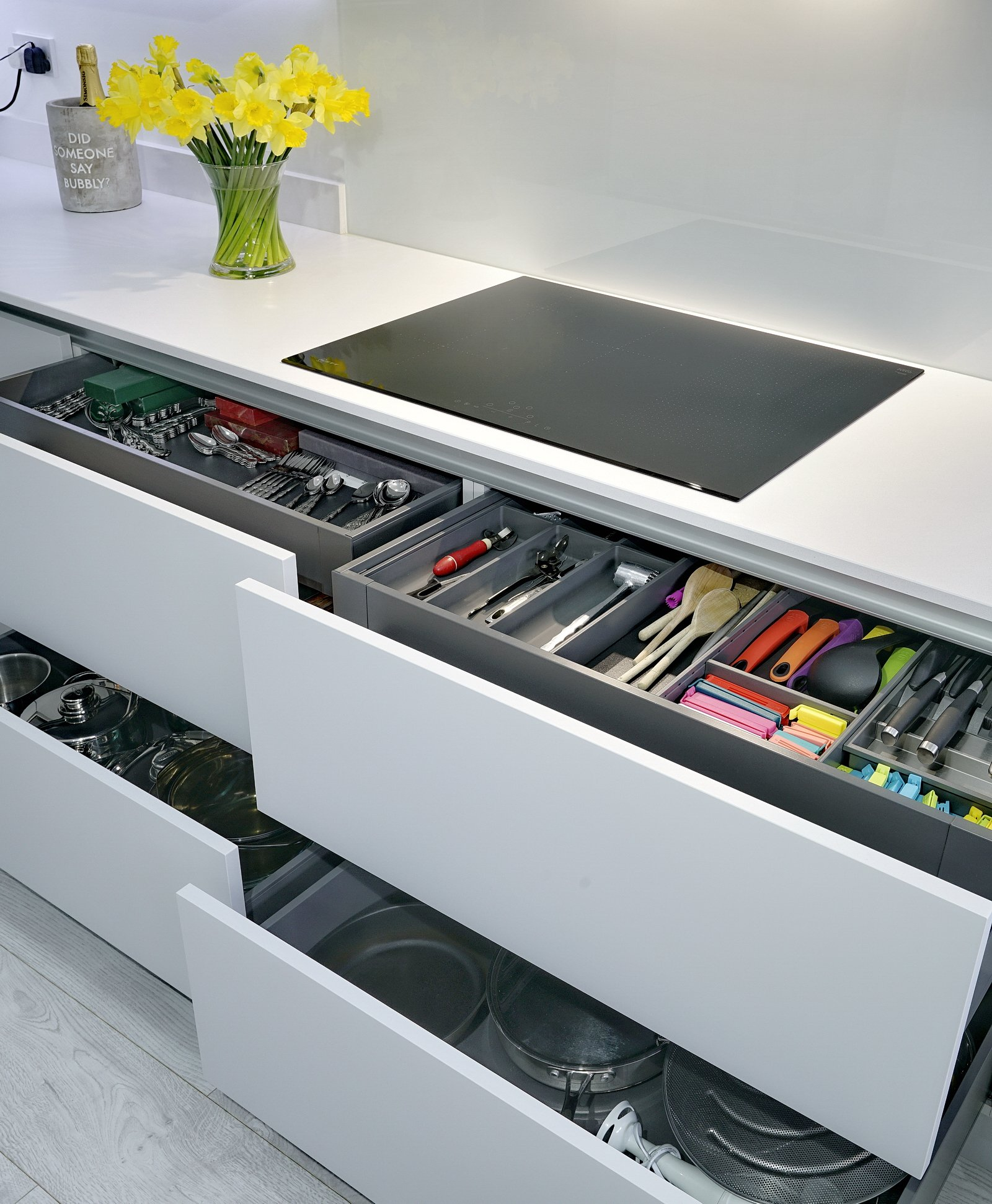 Modern Kitchen with drawers
