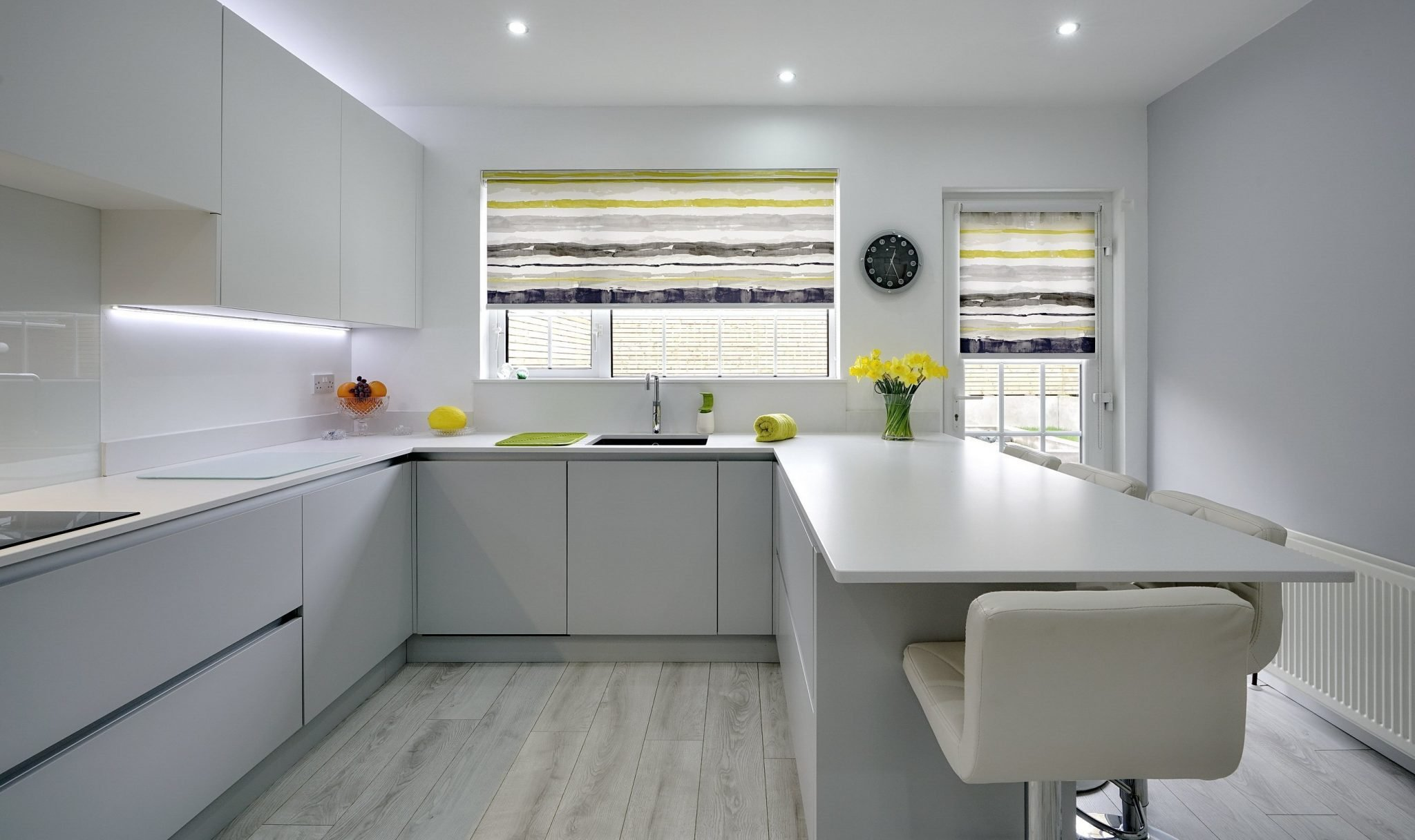 Modern White Kitchen with white worktops