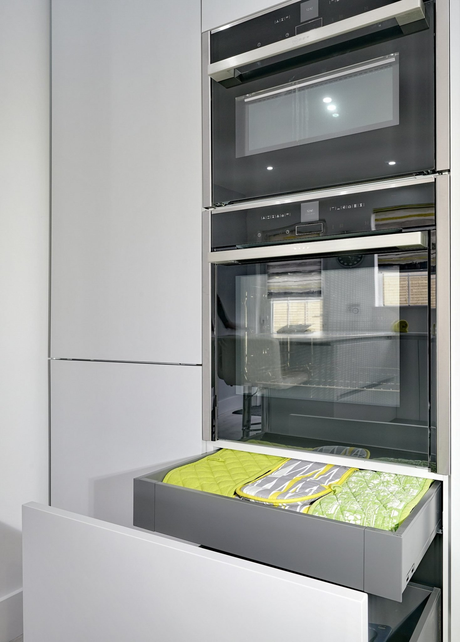 Neff ovens in white kitchen